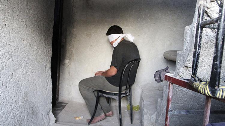 Rehenes que se salvaron de ser ejecutados por el Estado Islámico comparten su atroz experiencia