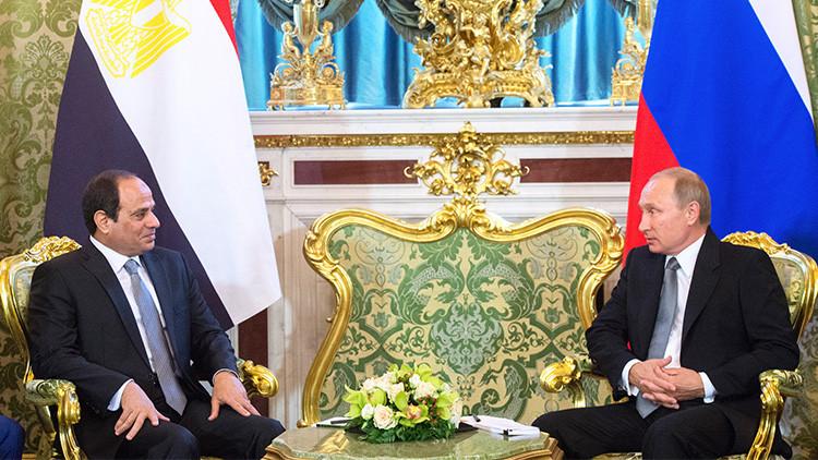 Los presidentes de Rusia y Egipto acuerdan mantener la cooperación de organismos de seguridad aérea