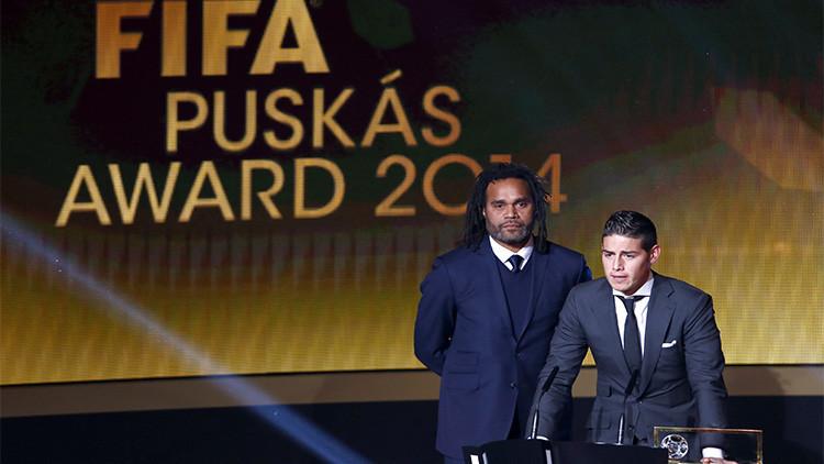 James Rodríguez recibe el Premio Puskas 2014 al mejor gol del año.
