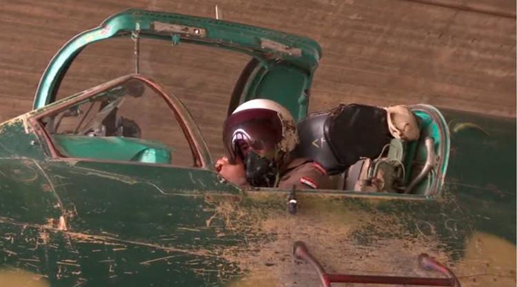 """""""Resistentes y seguros"""": la Fuerza Aérea de Siria combate al yihadismo con cazas soviéticos"""