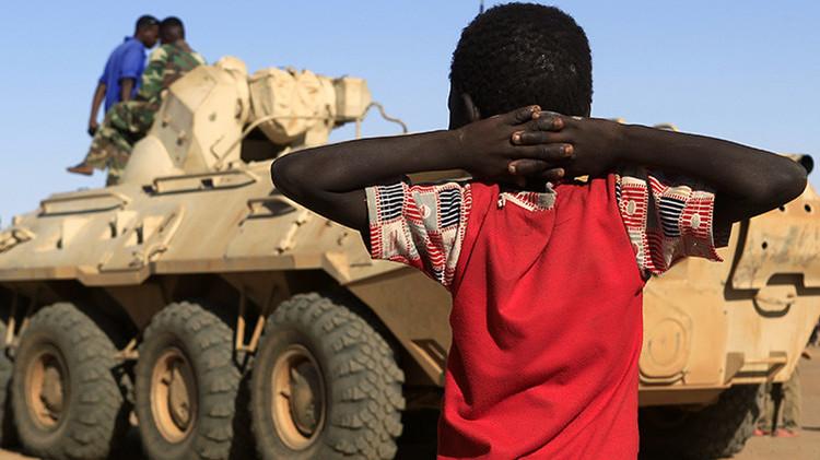 Decenas de niños muertos en un mes: La nación más joven del mundo desgarrada por la guerra