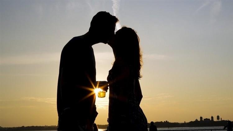 Científicos revelan por qué muere el amor