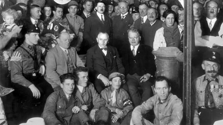 """¿Una red nazi secreta?: Revelan una """"sorprendente"""" verdad sobre la Alemania de posguerra"""