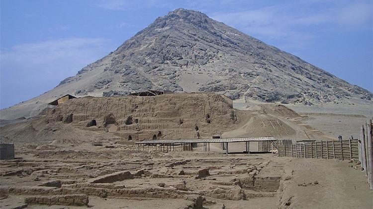Hallan frisos de diez figuras humanas de la cultura Moche en un santuario peruano
