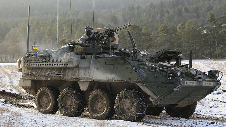 EE.UU. envía por primera vez vehículos blindados Stryker al Círculo Polar Ártico