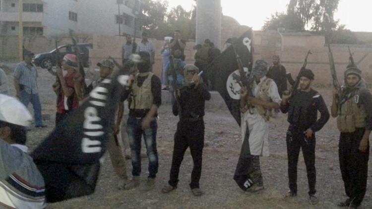 El Estado Islámico se supera en crueldad: yihadistas ejecutan a 200 niños sirios a quemarropa