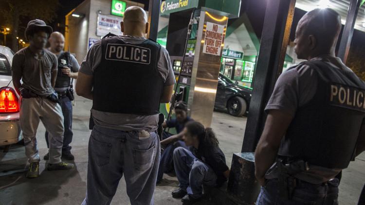 Otro caso de brutalidad policial en EE.UU.: violento arresto por cruzar una calle (Video)
