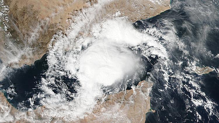 Imagen satelital del ciclón Megh en el golfo de Adén