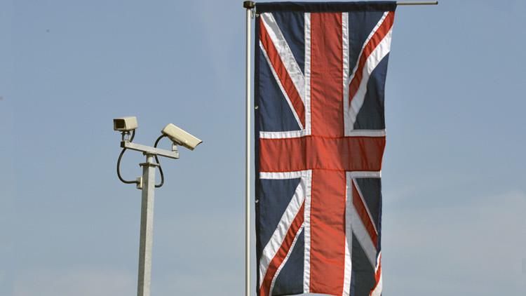 El director ejecutivo de Apple alerta sobre las amenazas del proyecto británico de vigilancia masiva