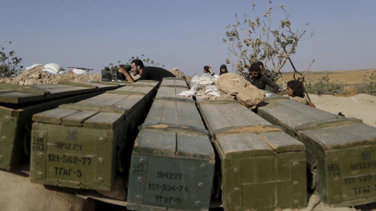 Lotes de armas y bombas químicas fluyen en manos del Estado Islámico en Siria