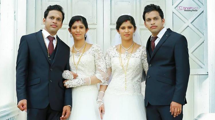 Dos sacerdotes gemelos casan a dos parejas de hermanos gemelos