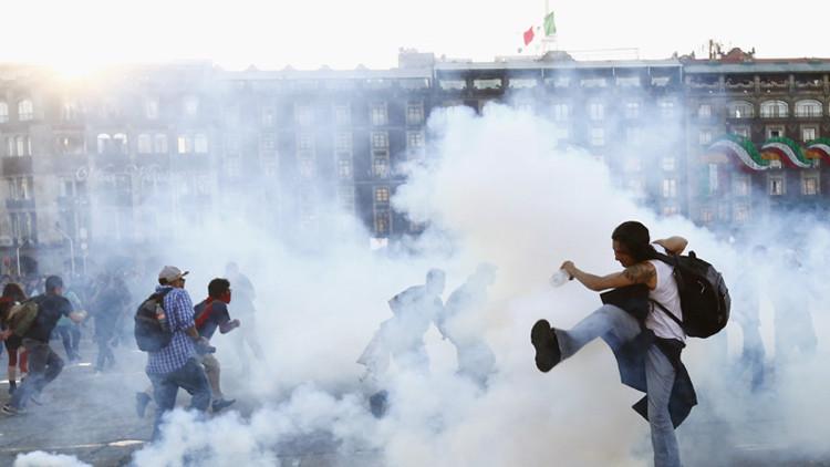 """""""Padres de la calamidad"""" mexicana: ¿Quién desató a los demonios que andan sueltos?"""