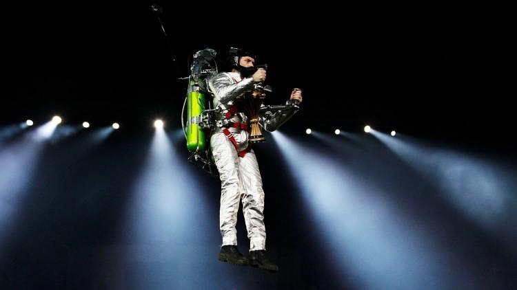 Superhéroes apagafuegos: los bomberos de Dubái pronto podrán volar a propulsión (fotos)