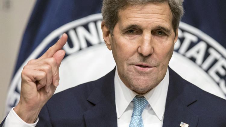 """El secretario de estado John Kerry proniuncia su discurso """"Estrategia de EE.UU. en Siria"""", 12 de noviembre de 2015."""