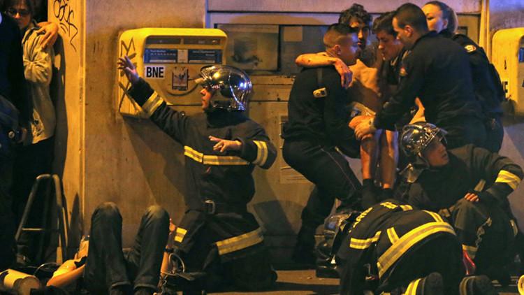 Testigo sobre los atacantes de París: jóvenes no más de 25 años, con Kaláshnikov y sangre fría