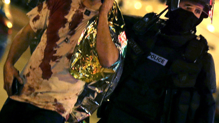 Hallan un pasaporte sirio entre las pertenencias de uno de los terroristas que se inmoló en París