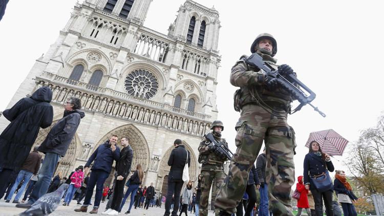 Hallan un pasaporte egipcio entre las pertenencias de uno de los terroristas que se inmoló en París