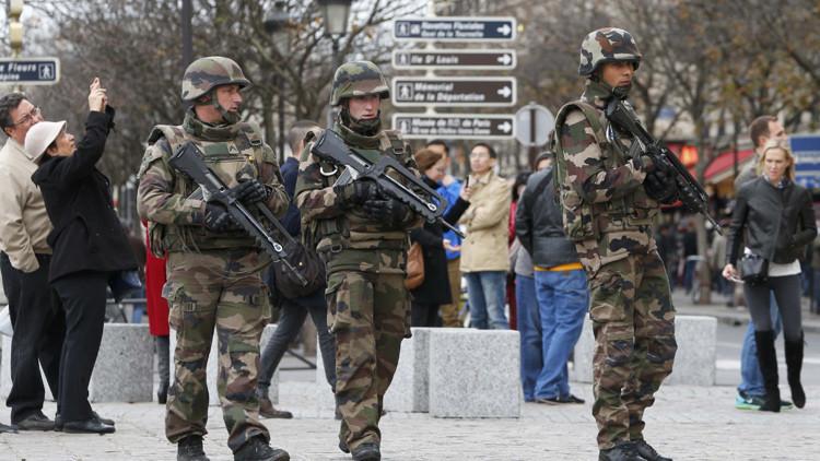Un diputado francés exige una operación terrestre en Siria tras los ataques de París