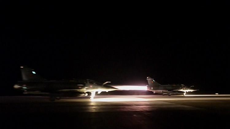 Nuevo video muestra a cazas de Francia despegando antes de bombardear el EI