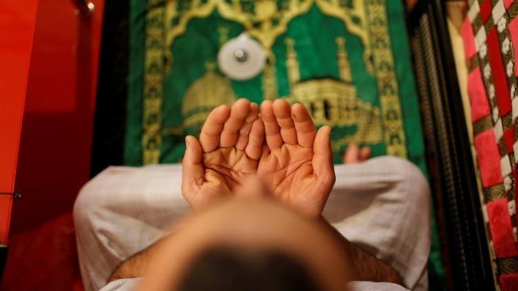 Francia estudia el cierre de las mezquitas radicales