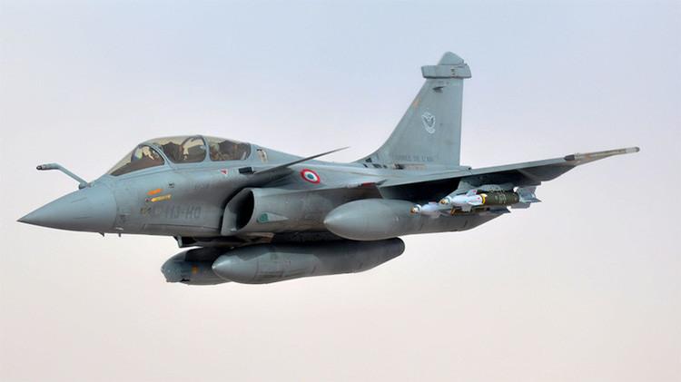 Implacables bombardeos de la Fuerza Aérea de Francia contra el EI en Raqqa