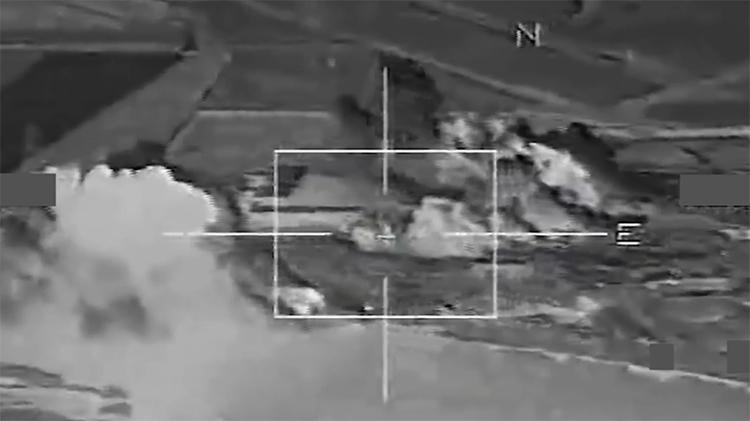 Primeras imágenes de los ataques de Francia sobre la capital del Estado Islámico