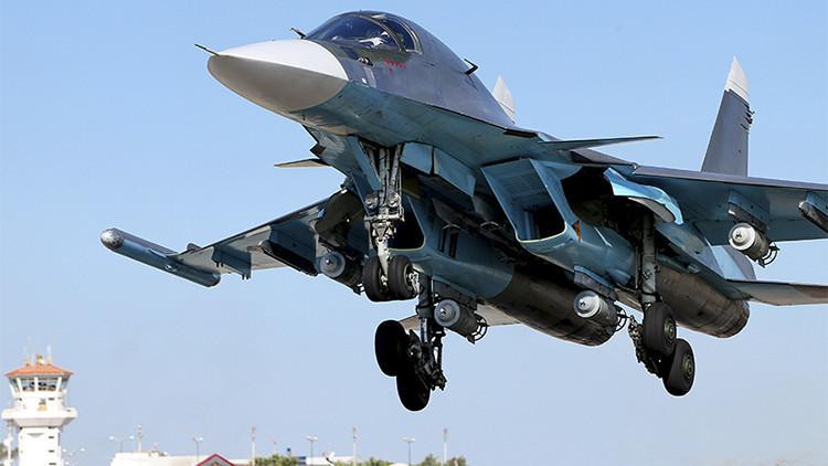 Aviones de combate rusos comienzan a destruir los depósitos de petróleo del EI