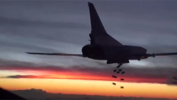 El amanecer mortal del EI: Rusia publica videos de los ataques de los bombarderos estratégicos