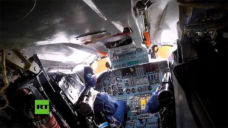 Video: Actuación de bombarderos rusos en Siria desde el interior de cabinas y bodegas de armas