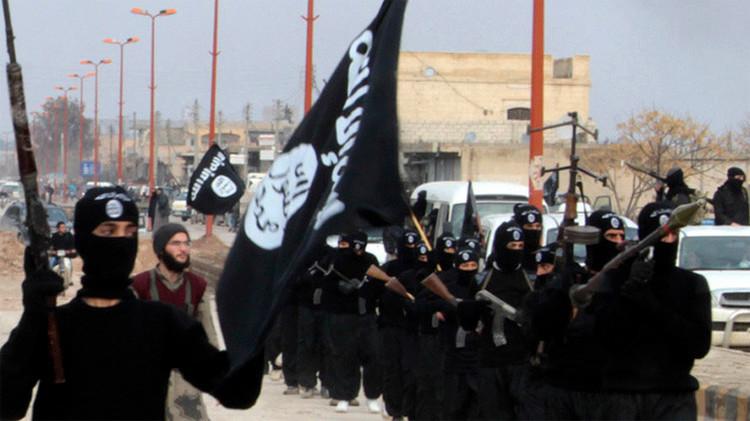 Nueva amenaza: El Estado Islámico desarrolla una división para crear armas químicas