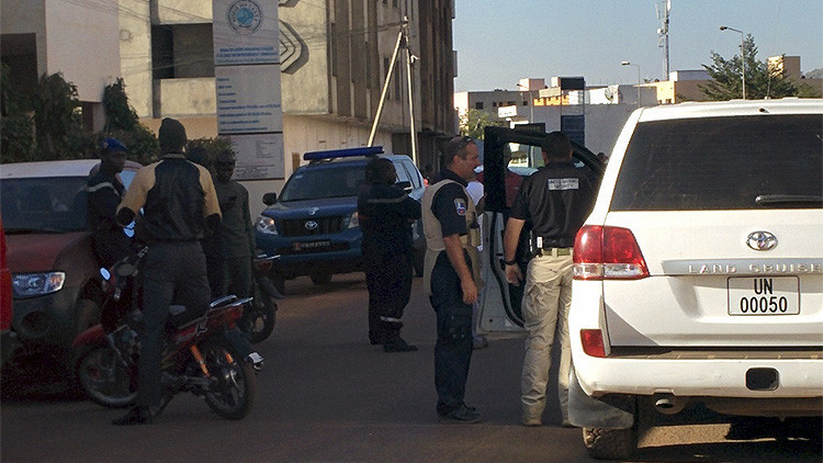 Militares franceses, empleados de aerolíneas: ¿Quiénes son los rehenes del hotel Radisson en Mali?