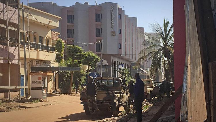 El Ejército de Mali asalta el hotel tomado por los yihadistas