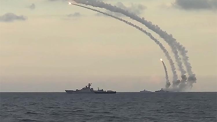 PRIMERAS IMÁGENES: La Armada rusa azota al EI con misiles de crucero desde el mar Caspio
