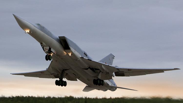 El 'asesino de portaaviones' Tu-22M3 carga contra el Estado Islámico