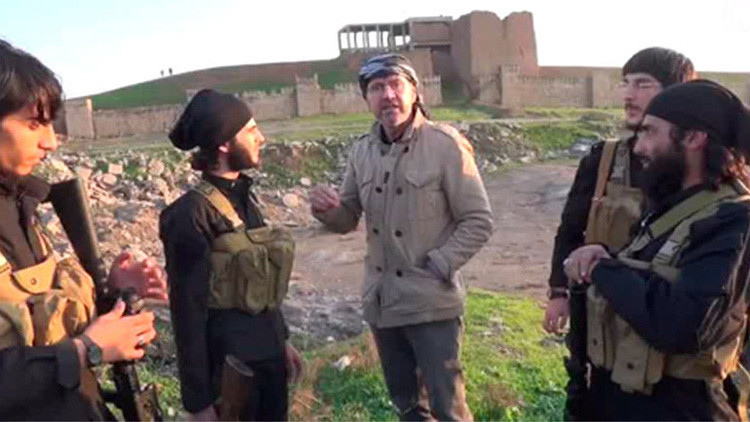 El primer periodista que convivió con el Estado Islámico revela cómo combatir a los terroristas