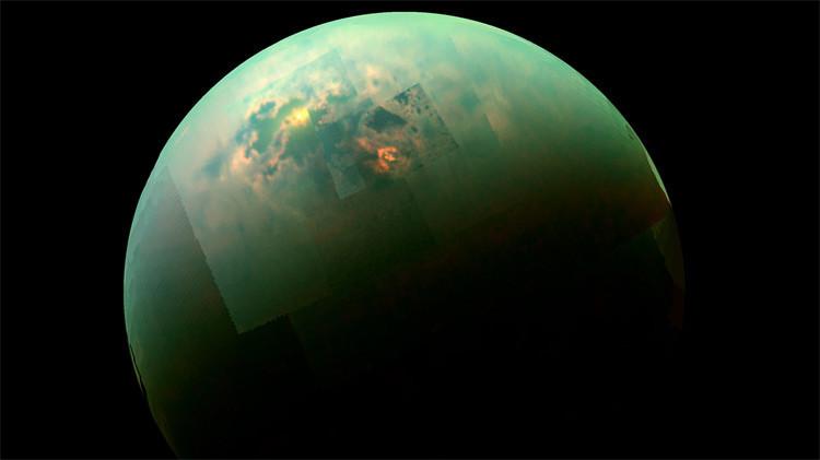 """""""Nunca antes visto"""": Detectan una 'monstruosa' nube de hielo en la luna de Saturno"""