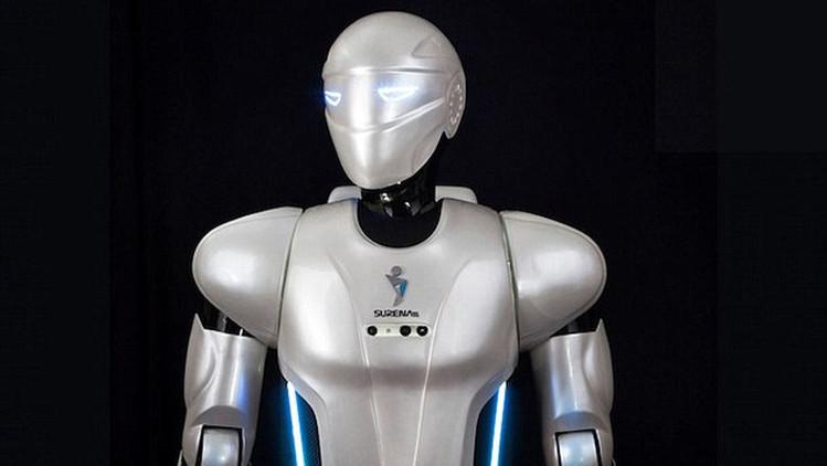 Presentan a Surena, un robot humanoide iraní que corre, juega al fútbol y habla persa