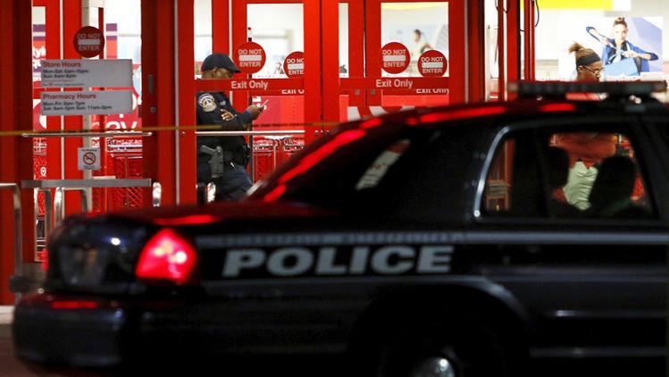 La Policía Metropolitana de Indianápolis está investigando la escena después del tiroteo