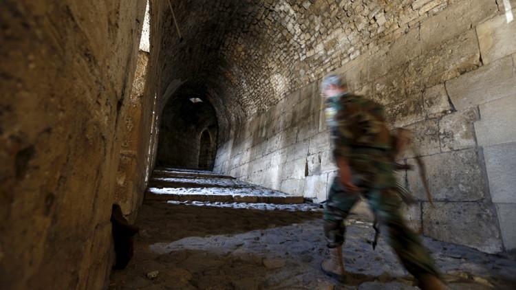 Un soldado del Ejército sirio en Homs