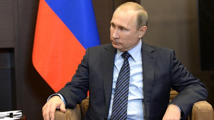 """Putin: """"Siempre hemos tratado a Turquía no solo como un vecino, sino como un país amigo"""""""