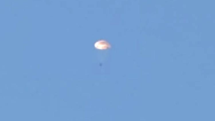 Milicias turkmenas: los pilotos rusos fueron tiroteados mientras descendían en paracaídas