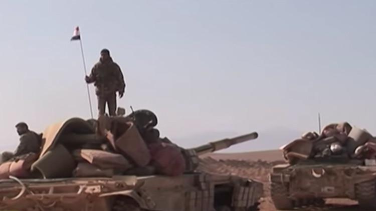 El Ejército sirio expulsa al EI de la estratégica ruta que conecta Damasco y Homs (Video)