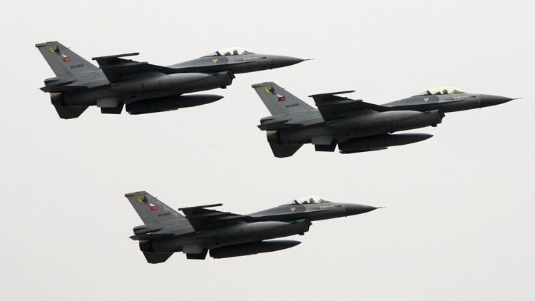 Turquía envía 18 cazas F-16 a patrullar la frontera con Siria
