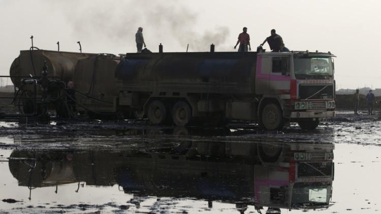 Rusia: El atentado contra el Su-24 ruso encierra interés turco por controlar el petróleo del EI