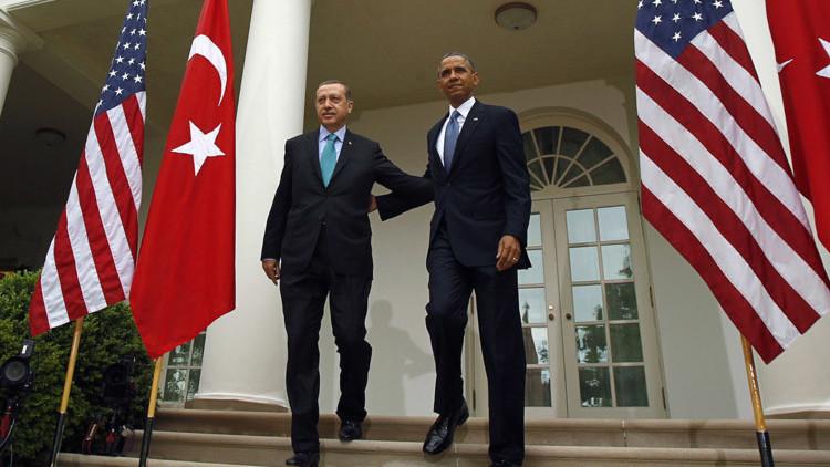 """De una decisión """"tonta"""" de Turquía a un plan global de EE.UU.: ¿Por qué atacaron el Su-24?"""