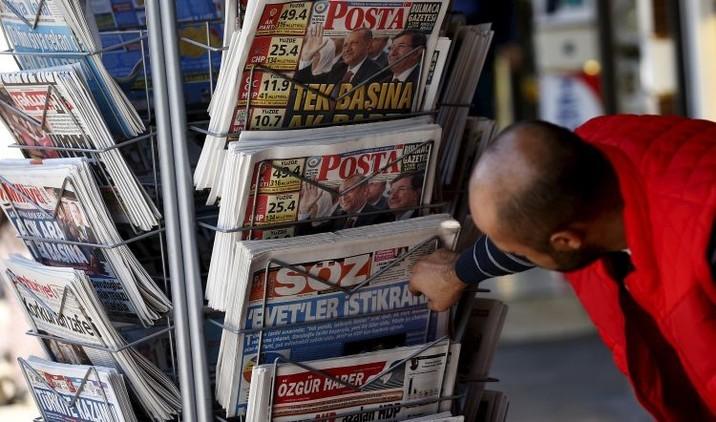 'Matando al mensajero': Turquía juzga a periodistas por revelar envío de armas a extremistas sirios