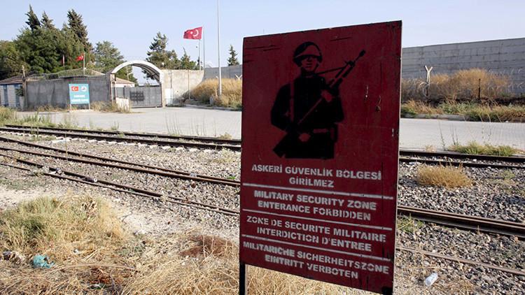 """""""El juego ha cambiado"""": EE.UU. insiste en que Ankara cierre el paso de terroristas a Europa"""