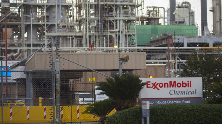 Pasión según TTIP: ¿A que llevaría la relación secreta entre la UE y la petrolera ExxonMobil?