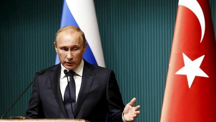 """Analista estadounidense: """"Menos mal que Putin respondió a Turquía con sanciones y no con las armas"""""""