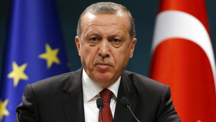 """Experto: """"Erdogan es una marioneta en manos ajenas"""""""